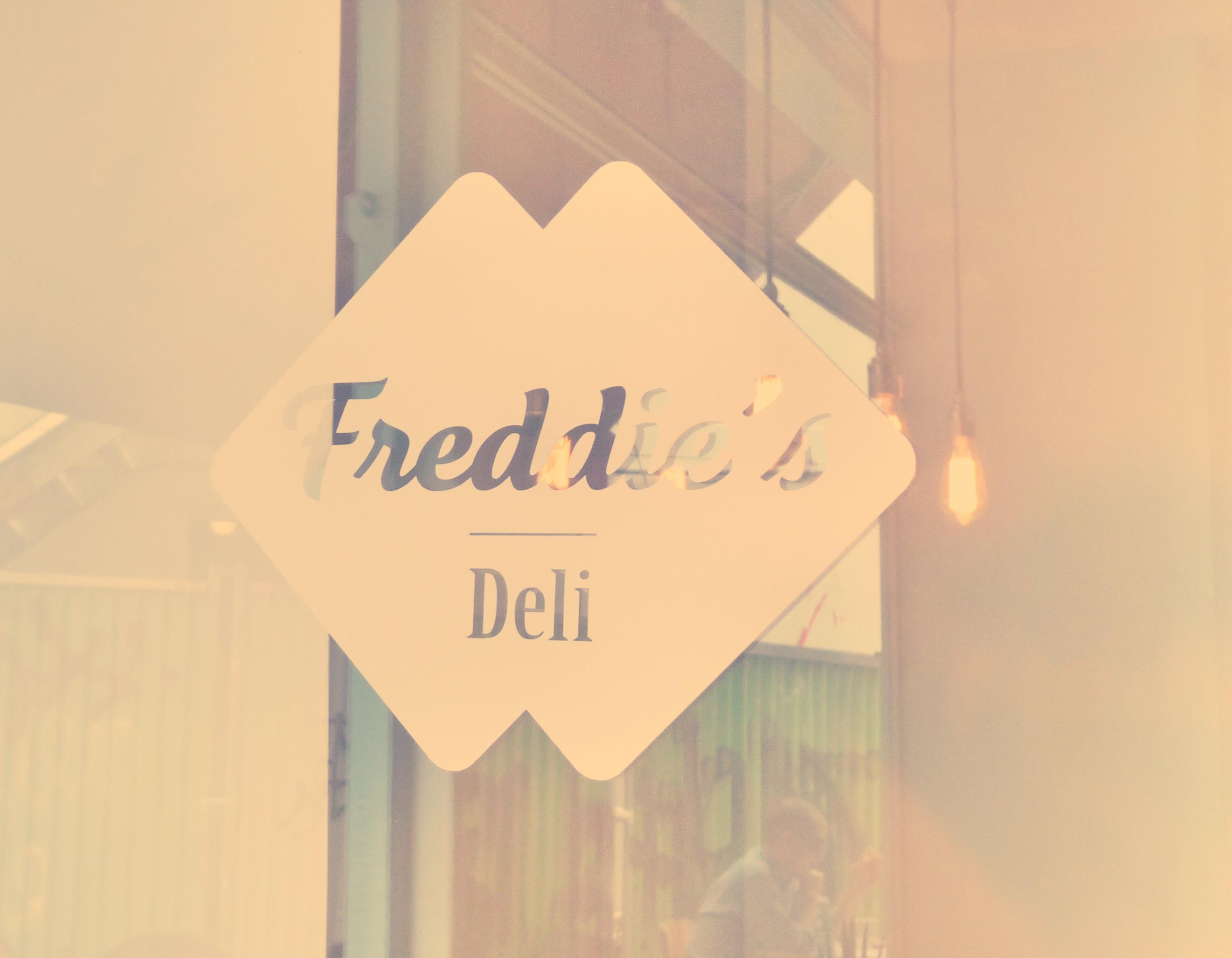 Après le Camion Qui Fume, Le Freddie's Deli débarque!